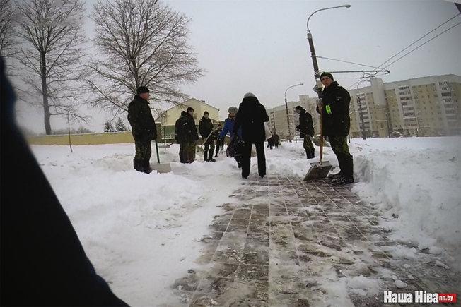 На минские улицы вывели спецназ внутренних войск