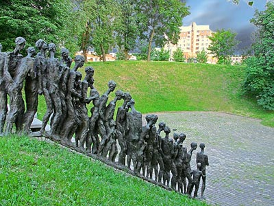 Holocaust discourse raises controversy in Belarus