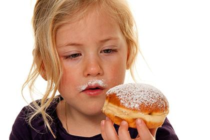 Названа норма потребления сахара для детей