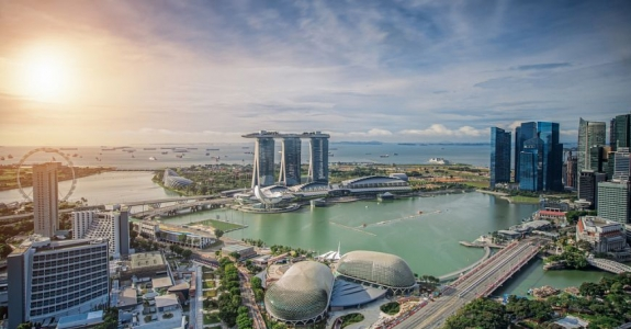 Belarus and Singapore share the same factors for economic success