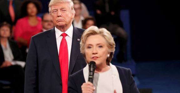 Клинтон опережает Трампа на 8% в президентской гонке
