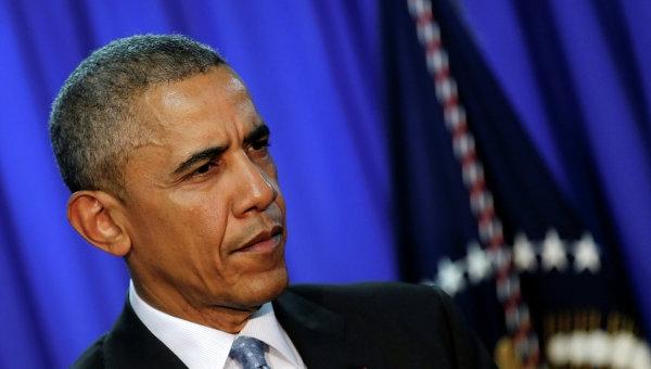 Барак Обама проголосовал досрочно за Хиллари Клинтон
