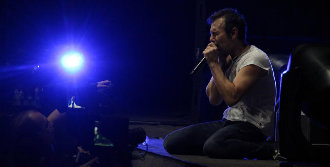 Okean Elzy devote song to Pavel Sheremet at Minsk Arena gig