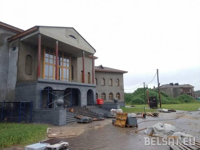 New luxury residence of Lukashenka gets public attention