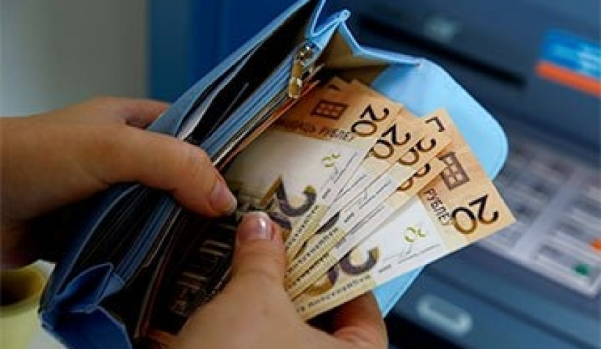 Real income of Belarusians reaches new low