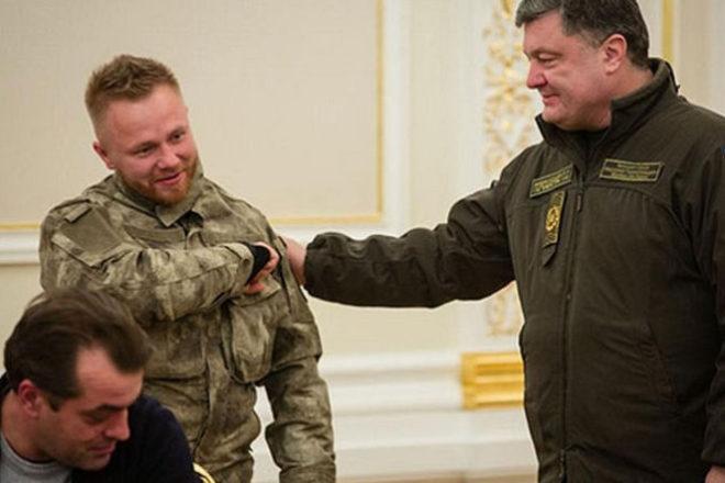 Белорусский боец «Азова» купил самолет идве квартиры