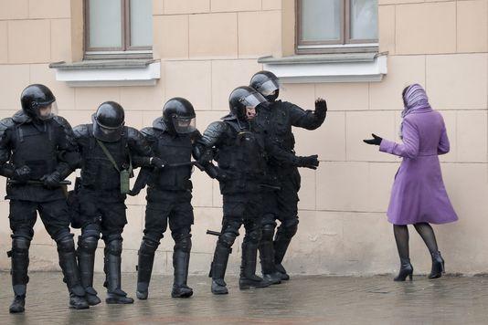 Белорусский ОМОН в заголовках зарубежной прессы » UDF | Новости Беларуси