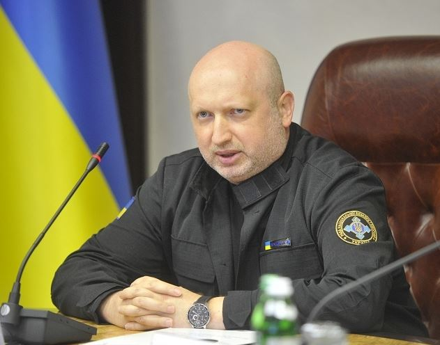 Russia continues to fly to arms increasing army personnel - Turchynov