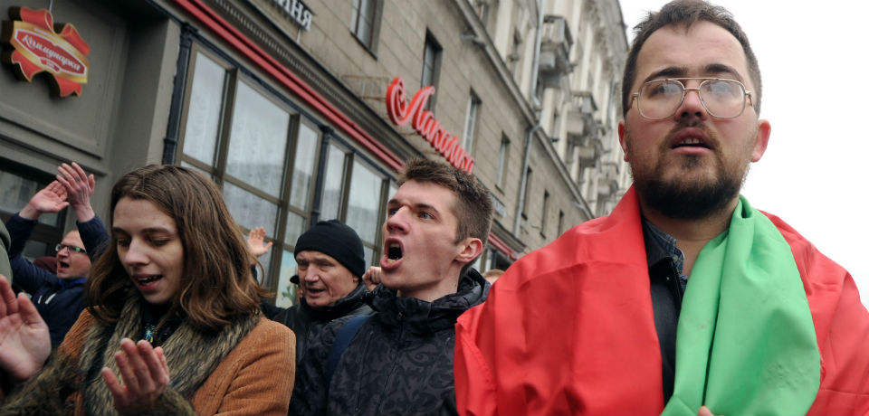 Belarus, ance again, cracks down on dissent