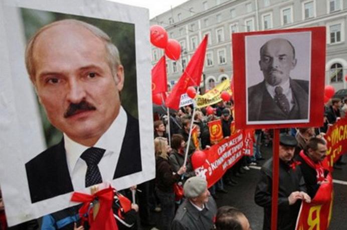 Лукашенко: республика Белоруссия потеряет будущее, ежели откажется отрусского языка