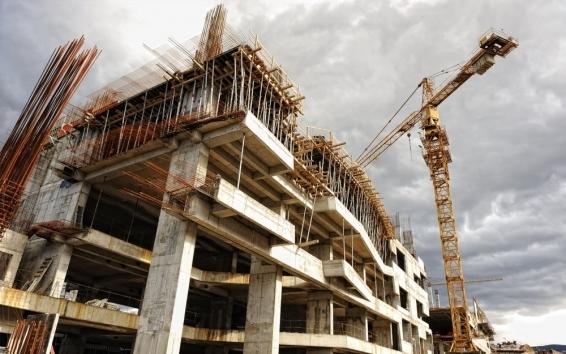 Объем введенного жилья вIполугодии уменьшился практически на8,0%