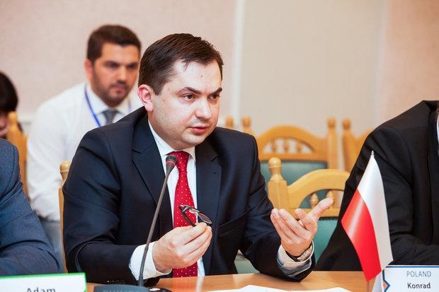 Ващиковский: Польша не будет заботиться опамятниках красноармейцам