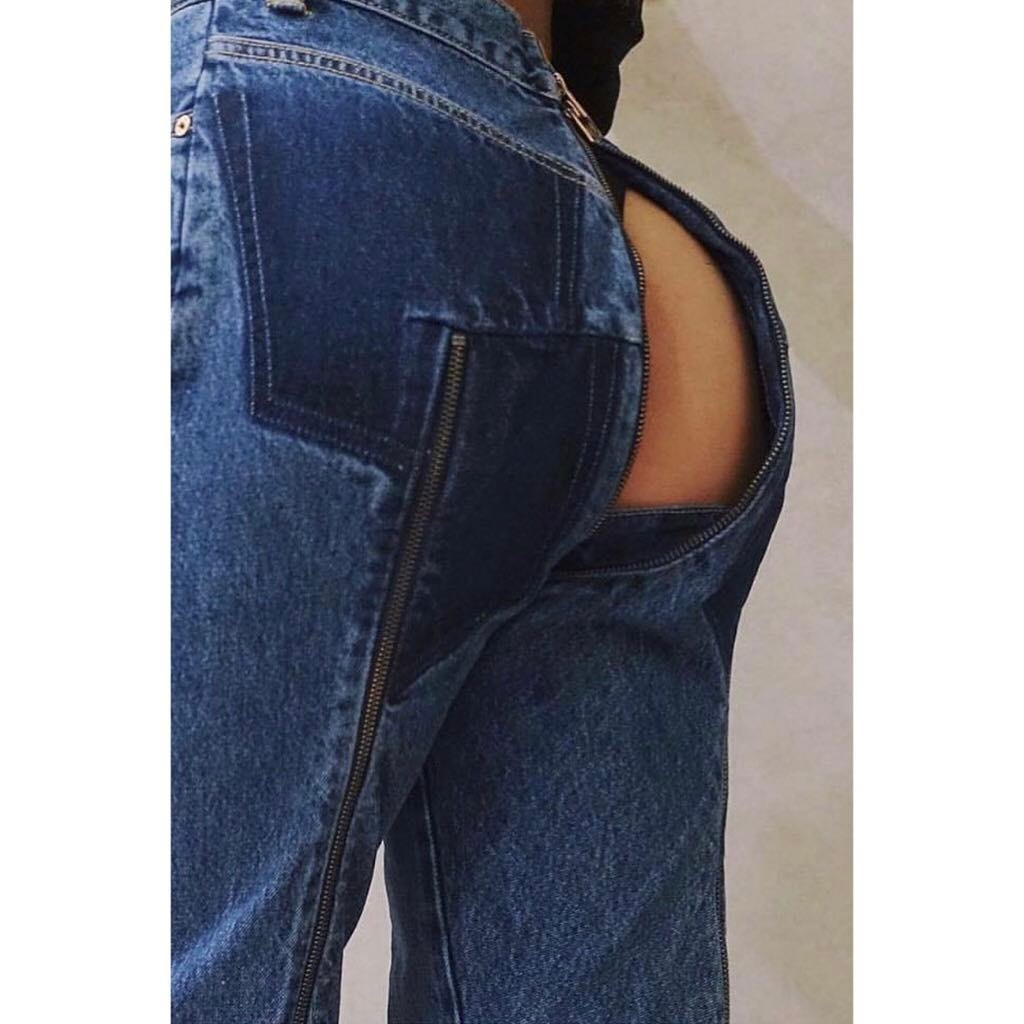 Ххх стринги под джинсами видео сосут