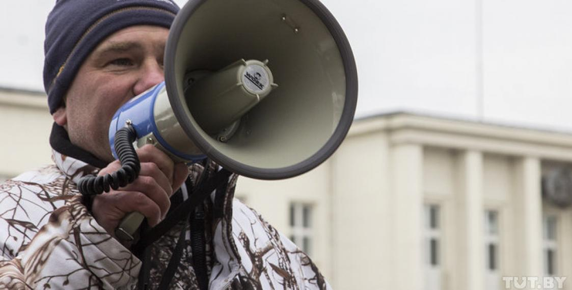 Blogger fined over protest against battery plant in Brest