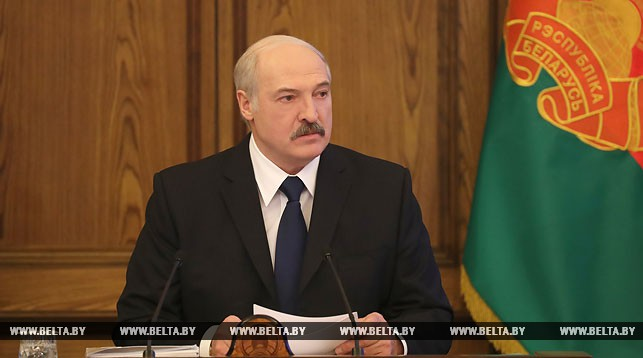 About 60% of Belarusians do not get $500 salary promised – Lukashenka
