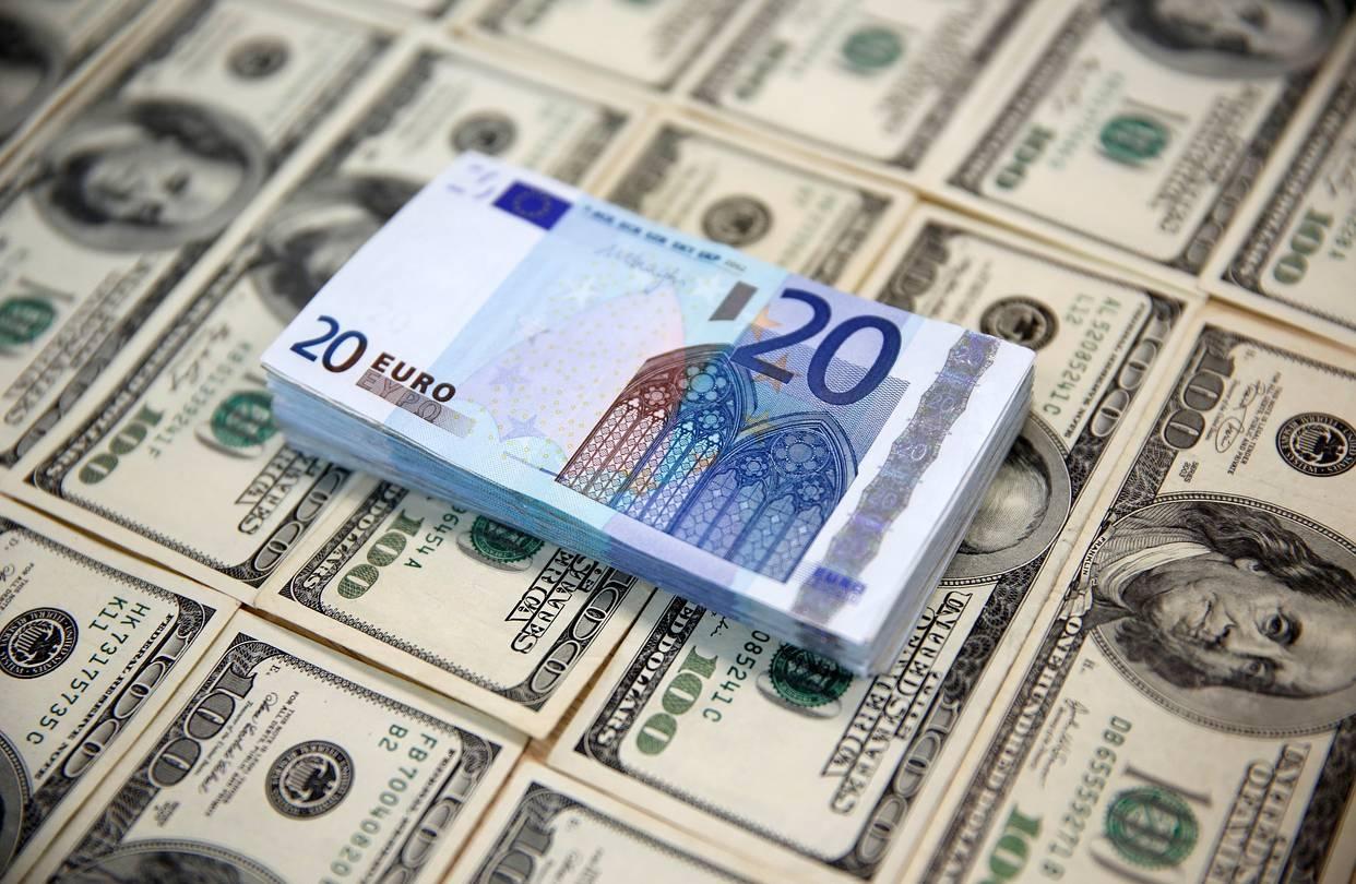 Картинка с долларами евро