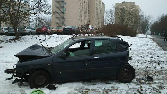 В Минске нетрезвый водитель легковушки въехал в деревья