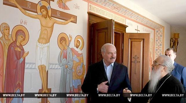 Лукашенко с сыном в праздник Пасхи встретился с митрополитом Филаретом