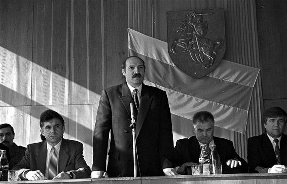 Как Лукашенко проводил прямые линии и встречи с журналистами в 1995, 2003 и 2017 годах