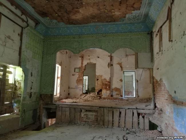 Обрушились стены дворца Радзивиллов