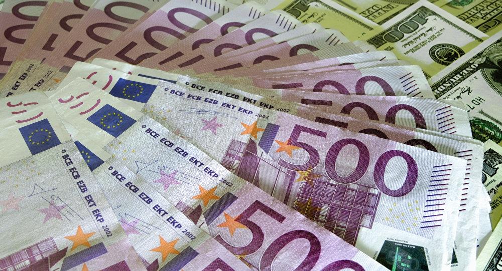 Картинка с долларами и евро