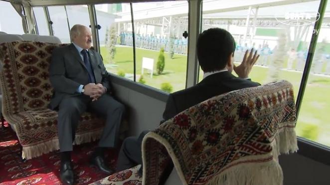 """Бердымухамедов имеет претензии к """"лепте"""", которую Лукашенко внес в их экономику"""