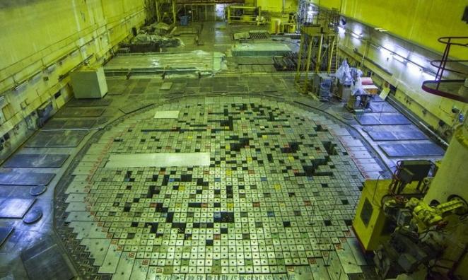 На Чернобыльскую АЭС запускают туристов: прогулка по энергоблокам и обед в местной столовой
