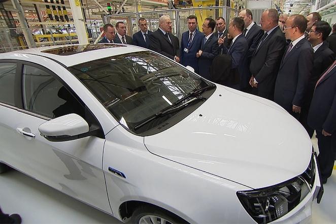 Топ-8 дорогих подарков, которые Лукашенко получал или дарил за последний год (фото)