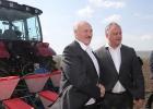 Три причины, почему у Лукашенко теплые чувства к Додону