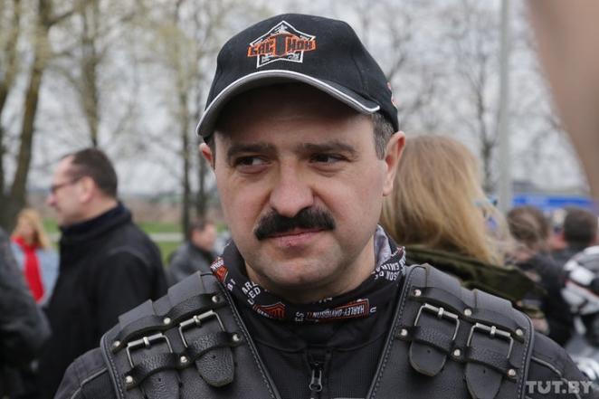 Фотофакт: Виктор Лукашенко открыл байкерский сезон
