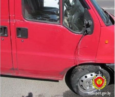 В Минске 17-летний парень угнал и разбил микроавтобус