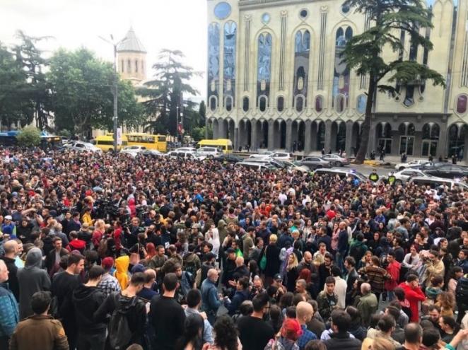 В Грузии из-за наркотиков вспыхнули протесты. Сравним ситуацию с белорусской