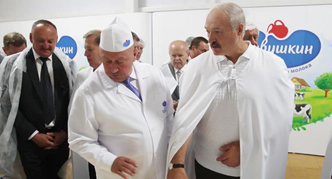 """Лукашенко получил жесткий ответ из России. Экономисты призывают """"не жевать сопли"""""""