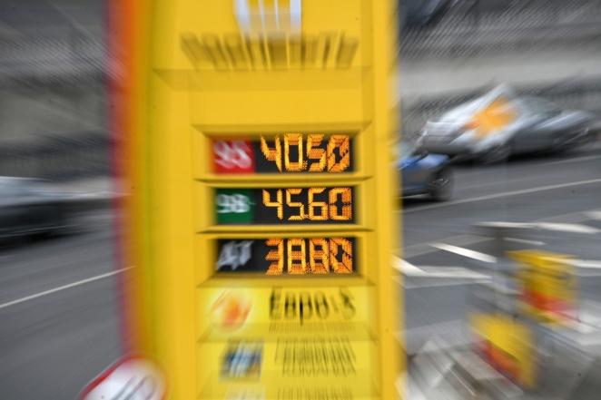 Сговор или необходимость: почему растут цены на бензин?