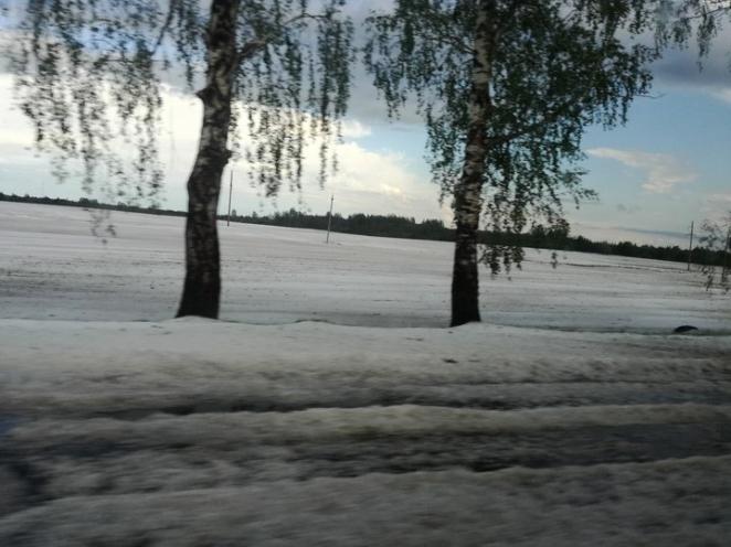 Как зимой. В Верхнедвинском районе прошел сильный град