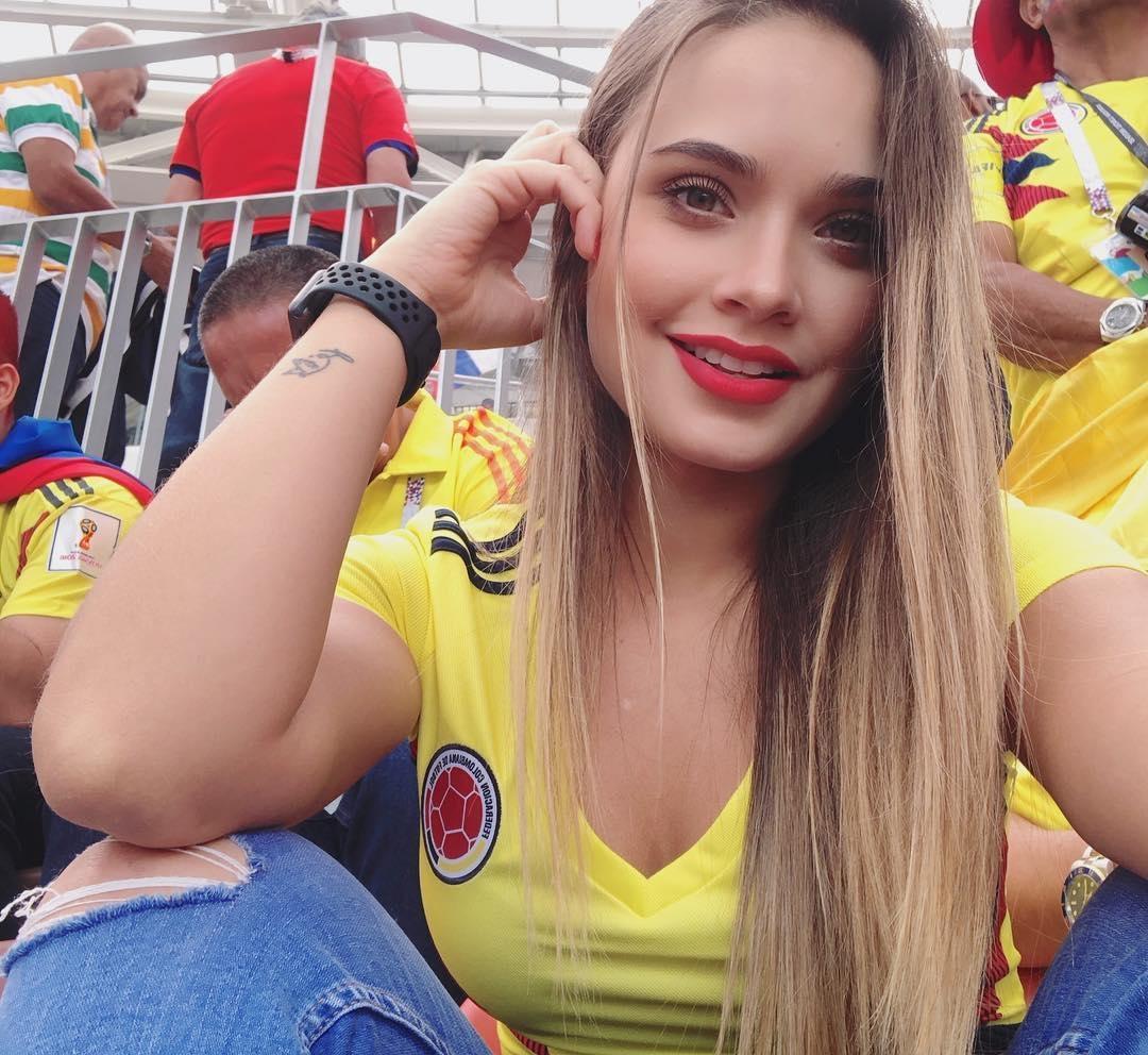 98af27f4cd4 Самые красивые болельщицы чемпионата мира у аргентинцев и исландцев ...