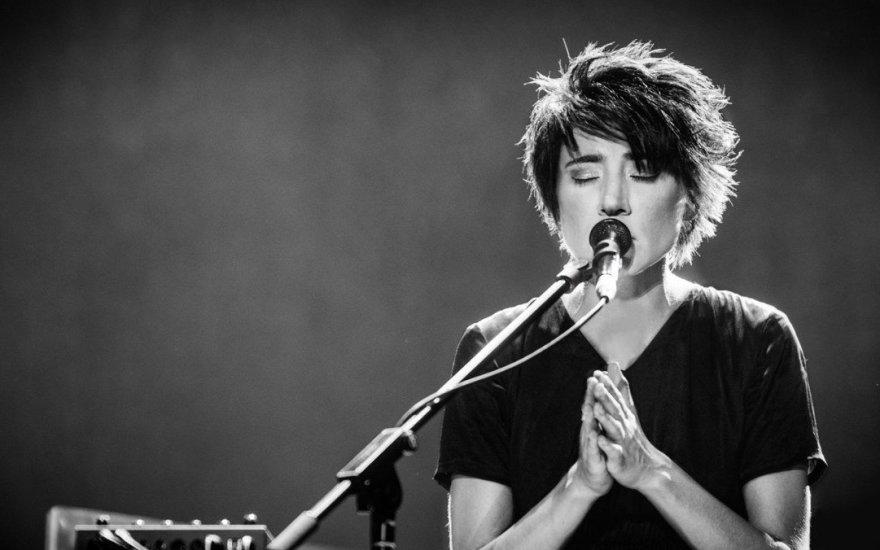 Эстрадная певица  Земфира призвала надоедливых фанатов  оставить еевпокое