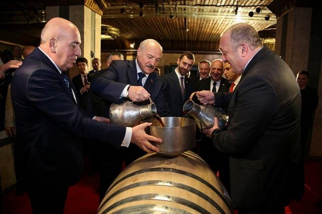 Что будет с бочкой коньяка для Коли Лукашенко?