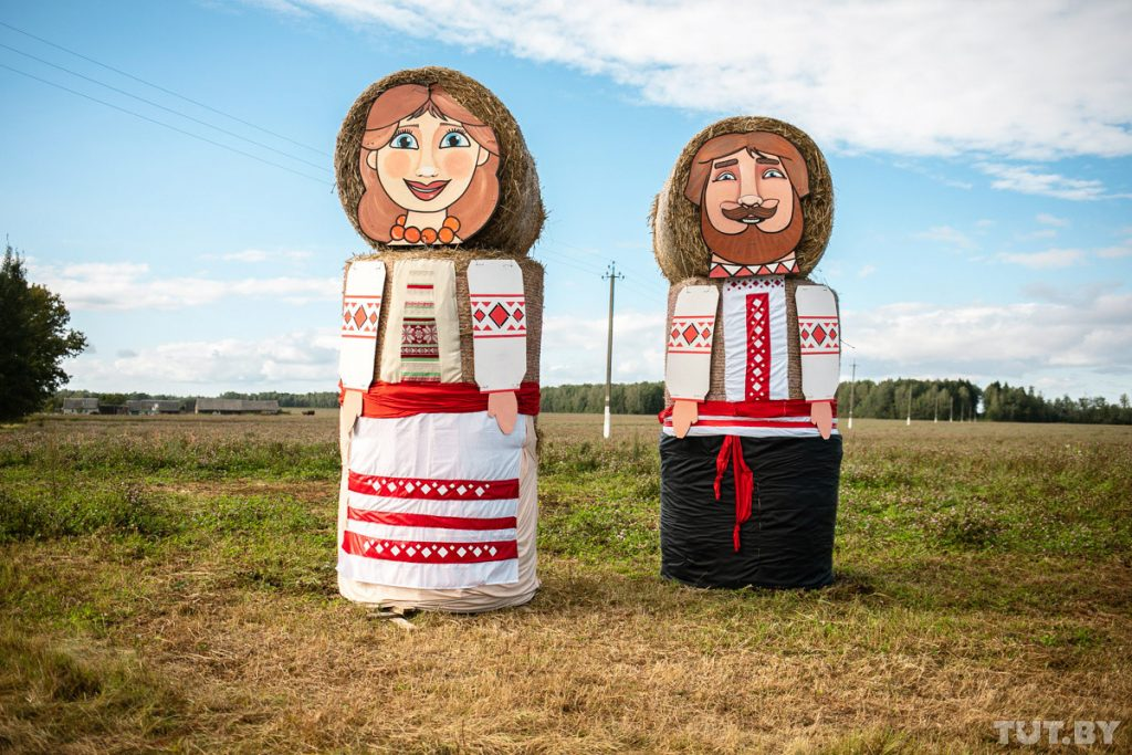 What The Halm? Giant Straw Sculptures Invade Belarusian Fields