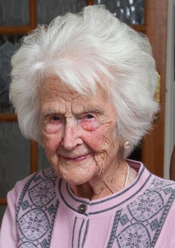 """""""Каждый вечер пью виски"""": 112-летняя женщина поделилась секретами долголетия"""