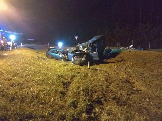 Два человека погибли, восемь — в больнице. Под Осиповичами столкнулись три машины