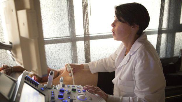 Британские ученые: женщины-жаворонки меньше рискуют заболеть раком груди