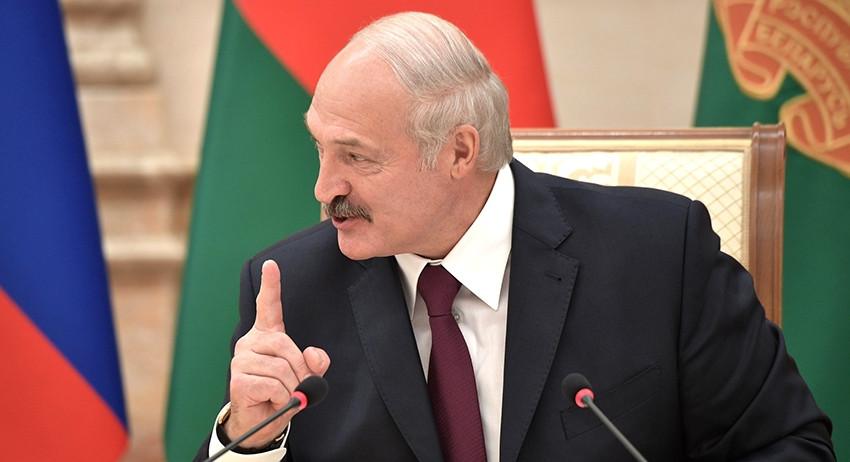 Лукашенко снова полюбил США. Но еще не забыл Путина