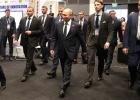 Путина заставили пройти через металлоискатель в Сингапуре: он зазвенел