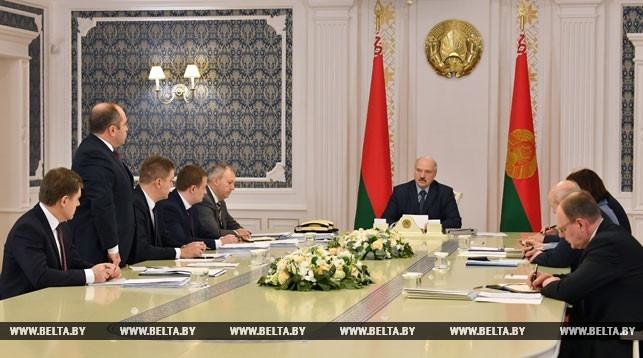 """""""Деньги нужно считать"""". Лукашенко снова собрал экономический блок правительства"""