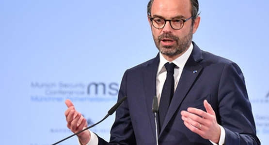 «Гнев французов» заморозил цены на горючее  наполгода