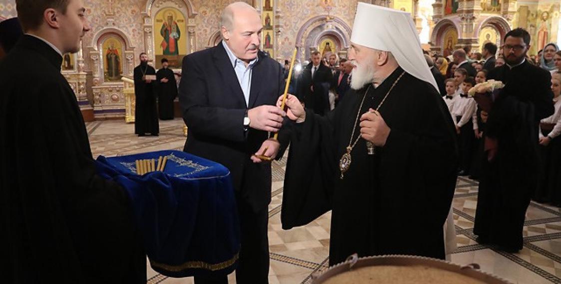 Lukashenka visits Orthodox church on Christmas, stresses independence