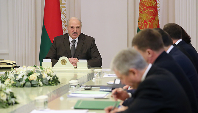 'Stupid questions': Belarus president about uniting with Russia