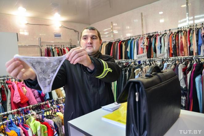 """Драка из-за трусов в """"секонде"""" обернулась задержанием владельца магазина в зале суда"""