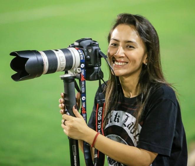 В Бразилии новая звезда. Девушка-арбитр против разъярённых футболистов